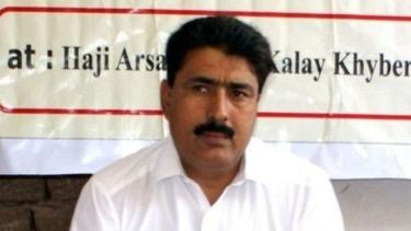 https://thumb.viva.co.id/media/frontend/thumbs3/2019/10/10/5d9eb8b063ea5-siapa-shakil-afridi-dokter-yang-membantu-cia-menemukan-bin-laden-dan-dipenjara-oleh-pakistan-sejak-2011_375_211.jpg