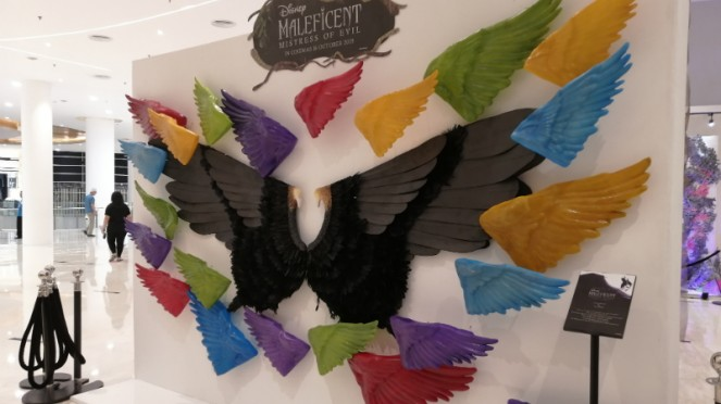 Karya seni terinspirasi dari film Maleficent.