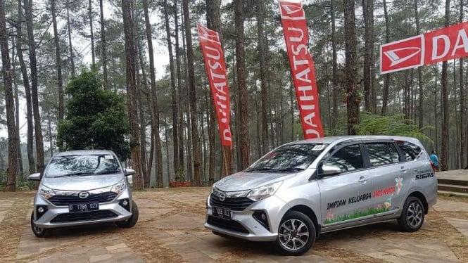 New Daihatsu Sigra diuji jalan di Bandung, Jawa Barat.