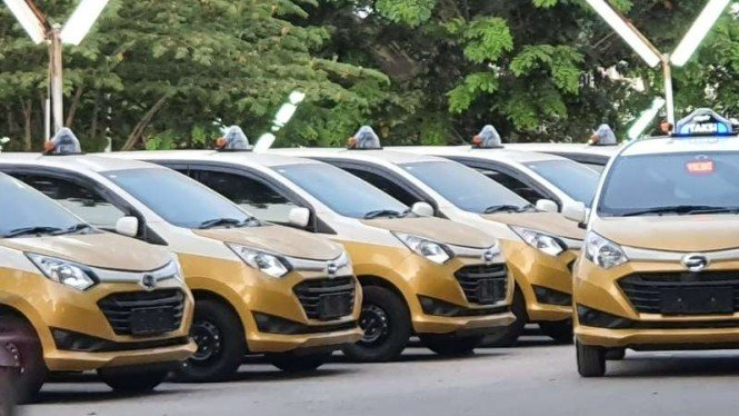 Mobil LCGC Daihatsu Sigra dipakai sebagai Taksi dengan nama Next