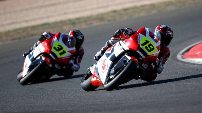 Dua Pembalap AHRT berlaga di CEV Moto2 European Championship Sirkuit Albacete.