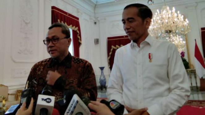Ketua Umum PAN,  Zulkifli Hasan, bertemu dengan Presiden Joko Widodo di Istana