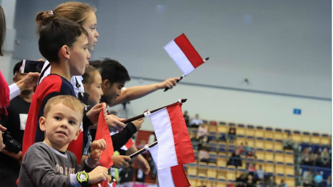 Suporter tim bulutangkis Indonesia di Kazan, Rusia