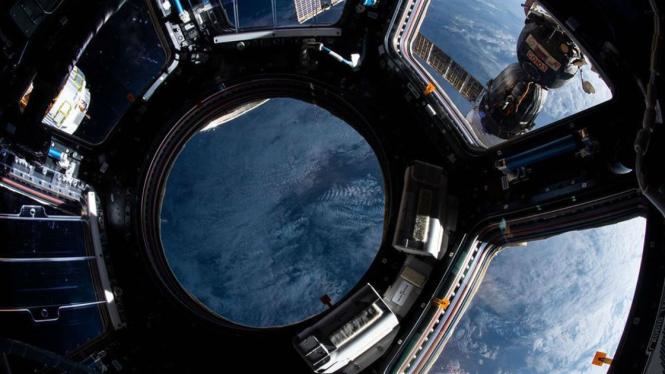 Foto Bumi dari Stasiun Antariksa Intenasional
