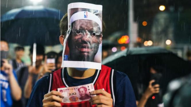 Demonstran Hong Kong mengejek LeBron James