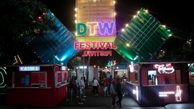 Downtown Walk Festival di Summarecon Mall Bekasi