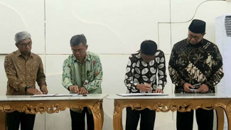Kementerian Agama menandatangani nota kesepahaman tentang penyelenggaraan layanan sertifikasi halal di kantor Wakil Presiden, Jakarta, Rabu 16 Oktober 2019.