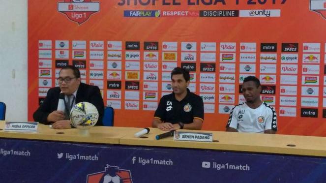 Pelatih Semen Padang, Eduardo Almeida.