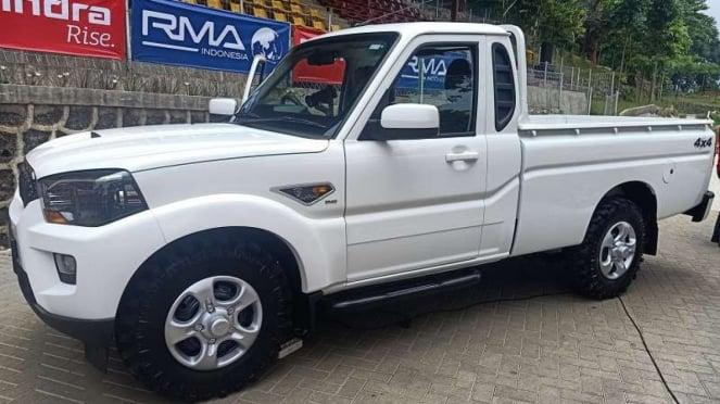 Mobil pikap kabin tunggal Mahindra Scorpio