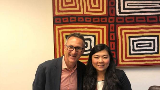 Selain dengan Sub Komite HAM Parlemen Australia, Veronica Koman juga menemui politisi lainnya termasuk Ketua Partai Hijau Senator Richard Di Natale.