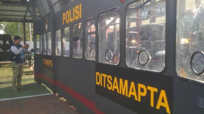 Kendaraan taktis penghalau massa milik Kepolisian Resor Kota Besar Surabaya.