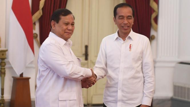 Prabowo saat bertemu Presiden Jokowi beberapa waktu lalu. Prabowo diprediksi menjadi Menteri Pertahanan.