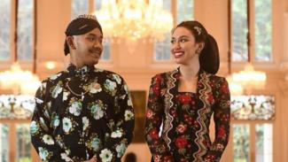 Haryo Putra Wibowo dan Della Putri Anjani Atkins.