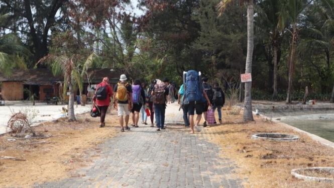 Rombongan Camping Pulau Papatheo (dok: travelista.id)