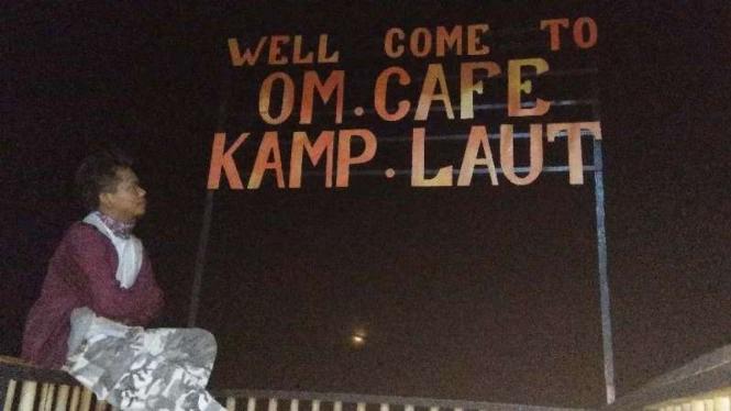 Om Cafe Kampung Laut Jambi.