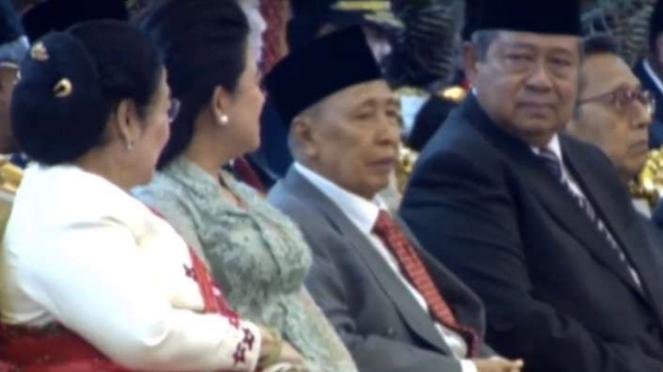 Megawati dan SBY menghadiri pelantikan Jokowi dan Maruf Amin di Senayan