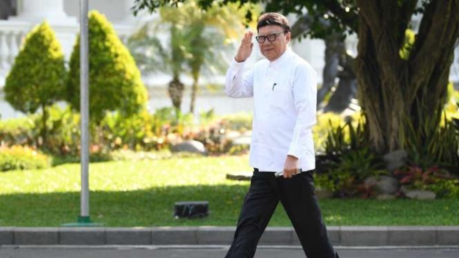 Tjahjo Kumolo di Istana Kepresidenan Jakarta
