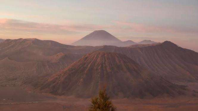 Hasil foto Gunung Bromo dengan jepretan Oppo Reno2