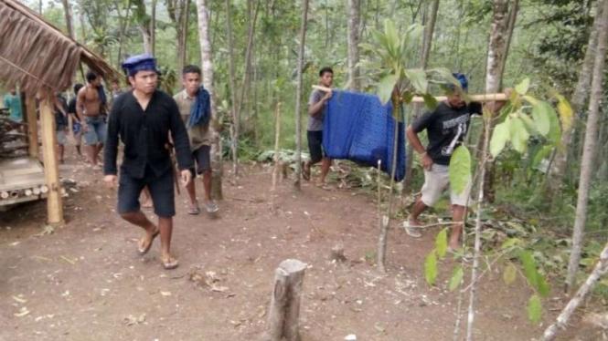 Evakuasi lima siswa Jakarta yang tenggelam di Sungai Ciujung Baduy
