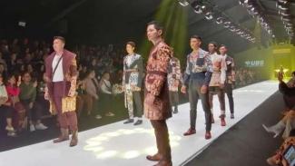 Bertabur bintang di Jakarta Fashion Week