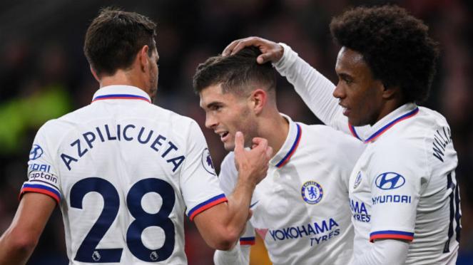 Pemain Chelsea, Christian Pulisic (tengah), rayakan gol ke gawang Burnley