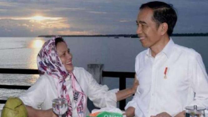 Presiden Jokowi dan Iriana di Kaimana, Papua Barat.