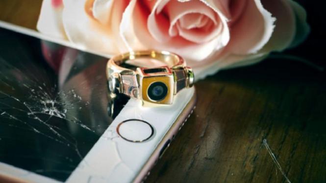 Cincin pertunangan dari iPhone
