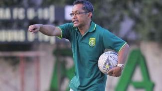 Pelatih Persebaya Surabaya, Aji Santoso.