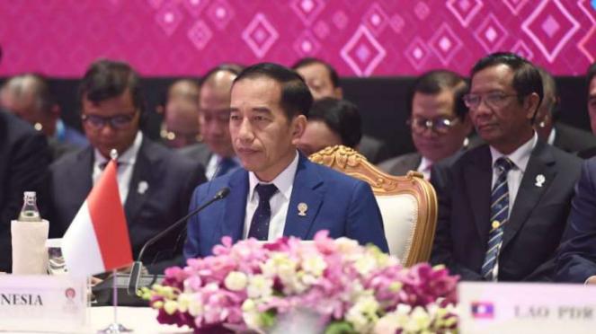Presiden Joko Widodo menghadiri KTT ke-22 ASEAN Plus Three