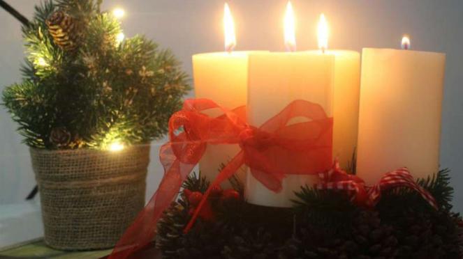 Ilustrasi Natal, ornamen dan dekorasi