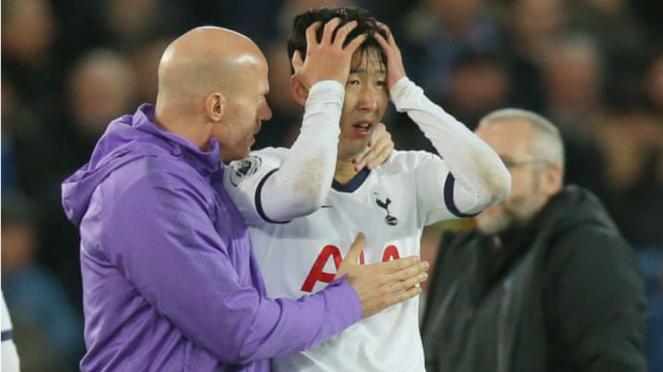 Winger Tottenham Hotspur, Son Heung-min, menangis usai cederai Andre Gomes