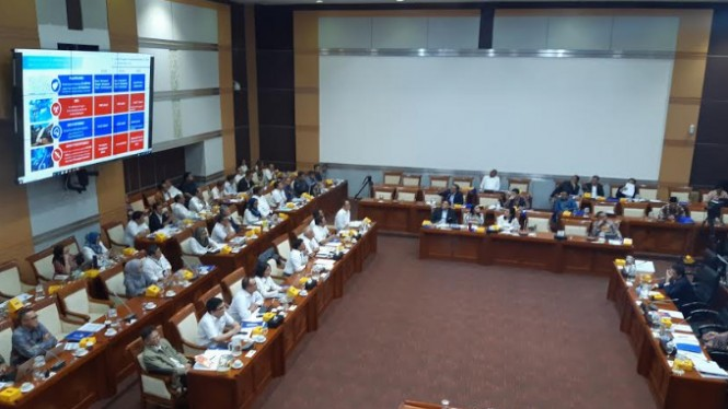 Rapat Komisi I DPR dengan jajaran Kementerian Komunikasi dan Informatika