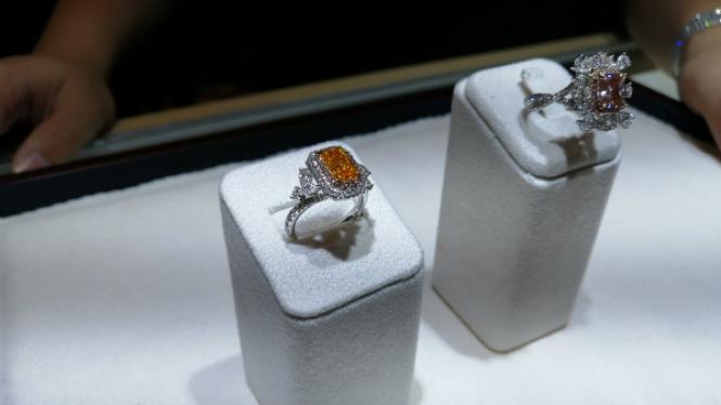 Koleksi berlian di Festival Jewellry & Timepieces