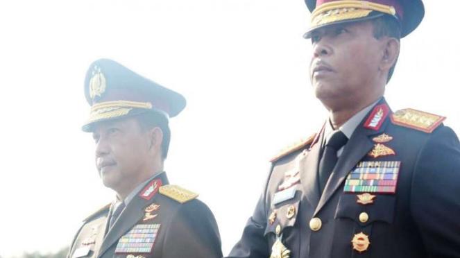 Kapolri baru Jenderal (Pol) Idham Azis bersama Kapolri lama Jenderal (Purn) Tito