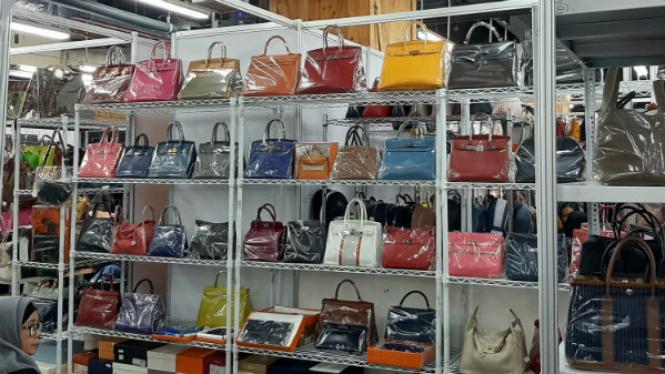 Tas Branded Preloved di Gelaran Irresistible Bazaar 2019