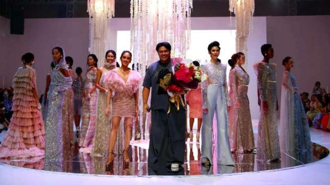 Koleksi Glams Wear Ivan Gunawan