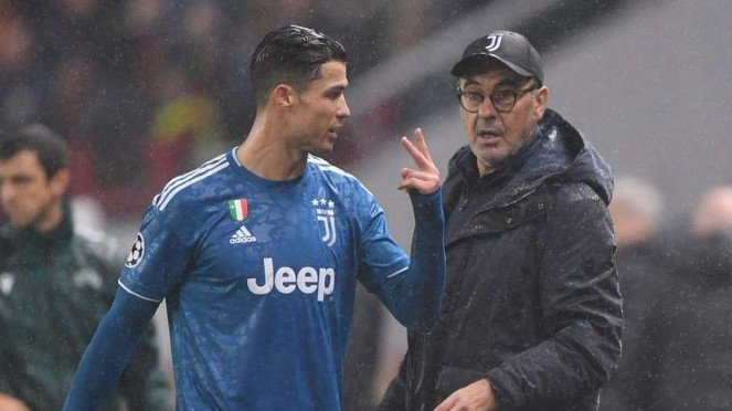 Megabintang Juventus, Cristiano Ronaldo (kiri)