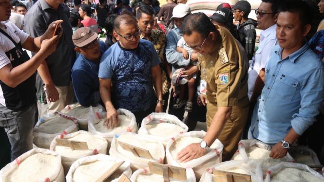 Pemprov DKI siapkan bahan pangan murah.