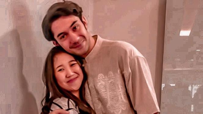 Kiky Saputri dan Reza Rahadian.