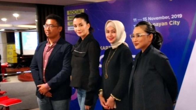 Nadya Hutagalung di acara Social Media Week 2019.