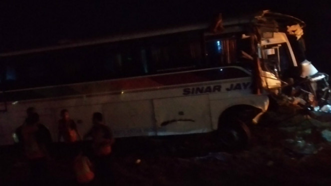 Kecelakaan bus di Tol Cipali km 117