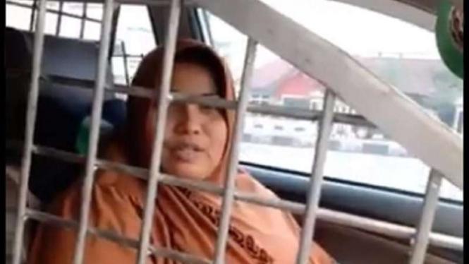 Ibu-ibu pasang kerangkeng di mobil untuk cegah begal