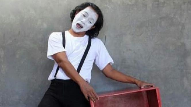 Salah seorang pantomimer yang akan tampil