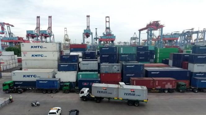 Ilustrasi kegiatan ekspor impor.