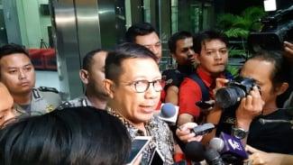 Mantan Menteri Agama Lukman Hakim Saifuddin usai diperiksa KPK
