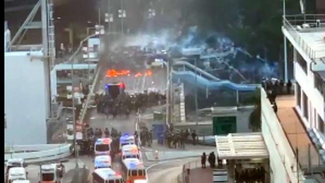 Kerusuhan di Hong Kong.