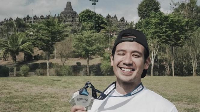 Selebriti Tarra Budiman turut meriahkan Borobudur Marathon 2019.