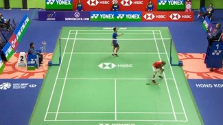 Anthony Ginting saat protes ke wasit.