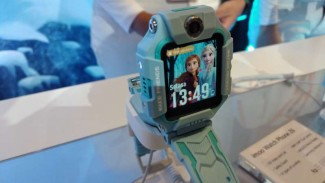 Imoo Watch Phone Z6 edisi Frozen