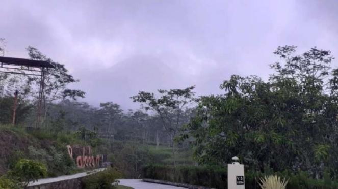 Kondisi terkini Gunung Merapi diselimuti kabut